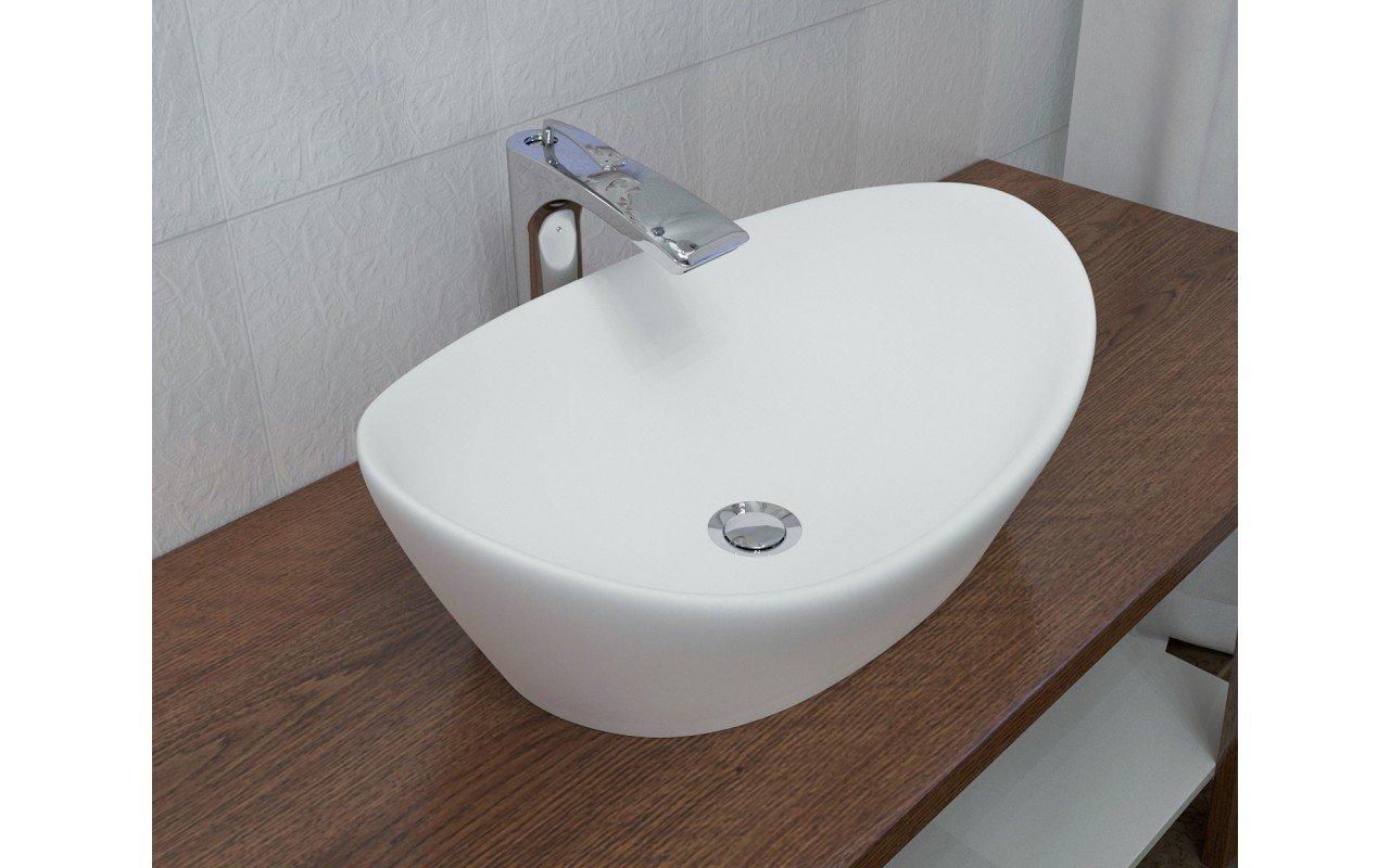 748M lavatory 2