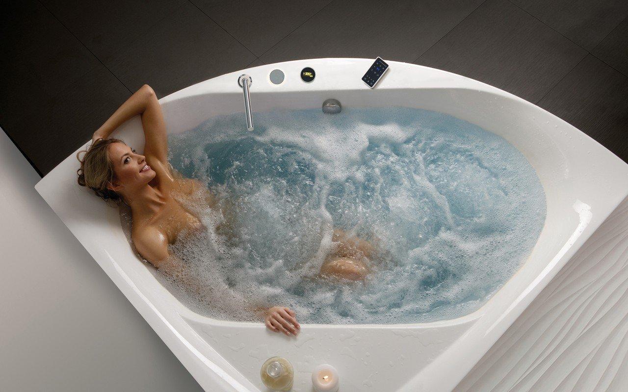 Aquatica olivia wht spa jetted corner bathtub international 03 (web)