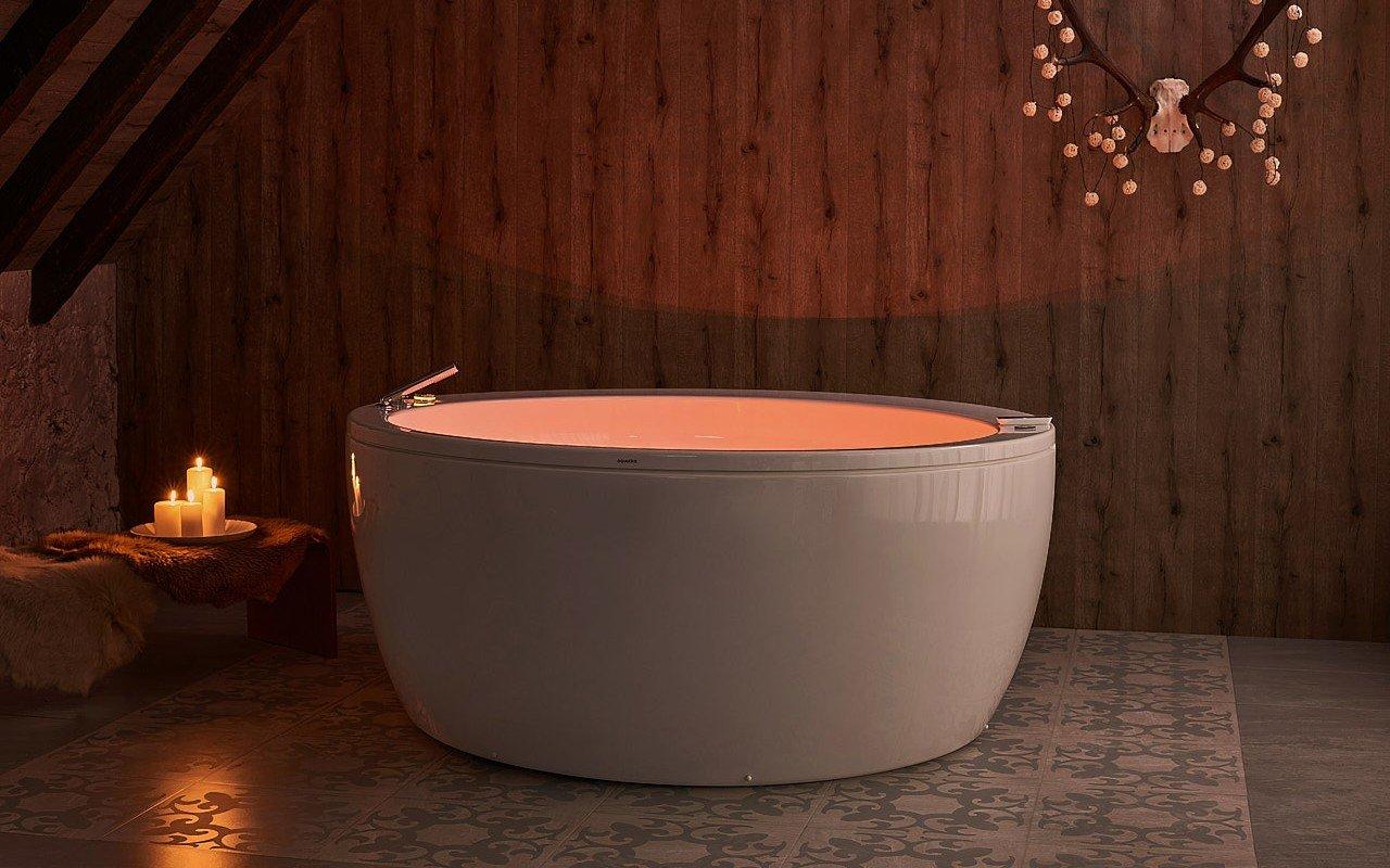 Aquatica pamela wht spa jetted bathtub web 04
