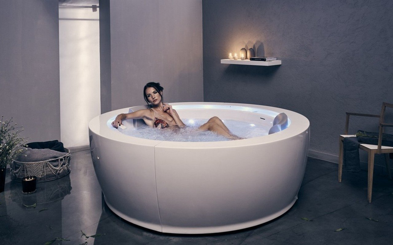 AquaticaInfinityR1HeatedTherapyBathtub 08 1