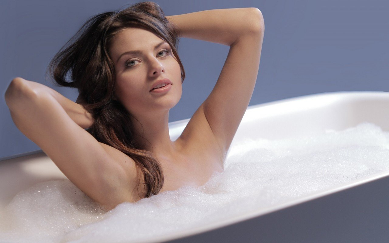 Arabella Wht Freestanding Stone Bath web (6)