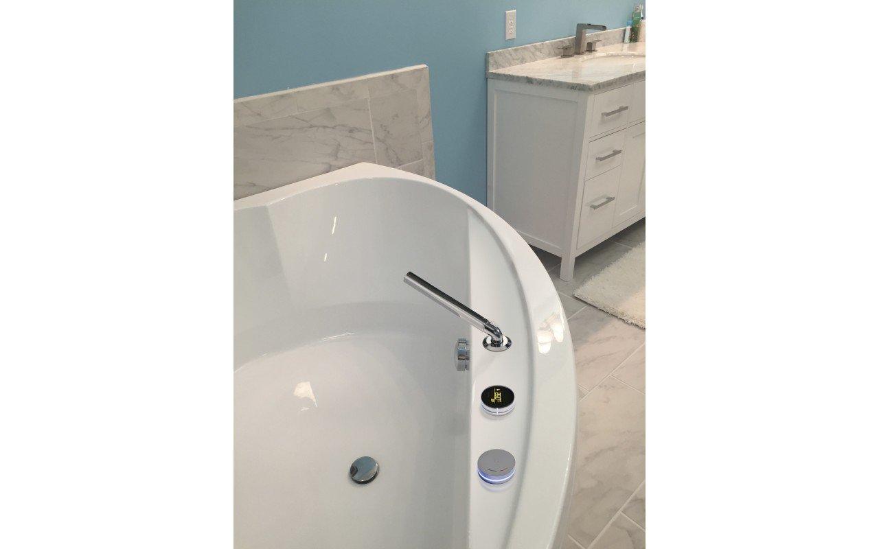 Cleopatra wht corner acrylic bathtub by Aquatica 03 (web)