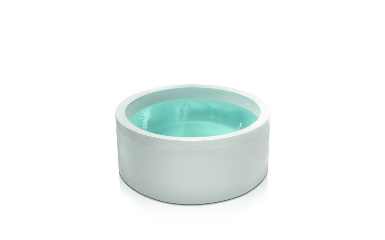 Islay deep soaking japanese style bath 24 jet sensations for Deepest bathtub available
