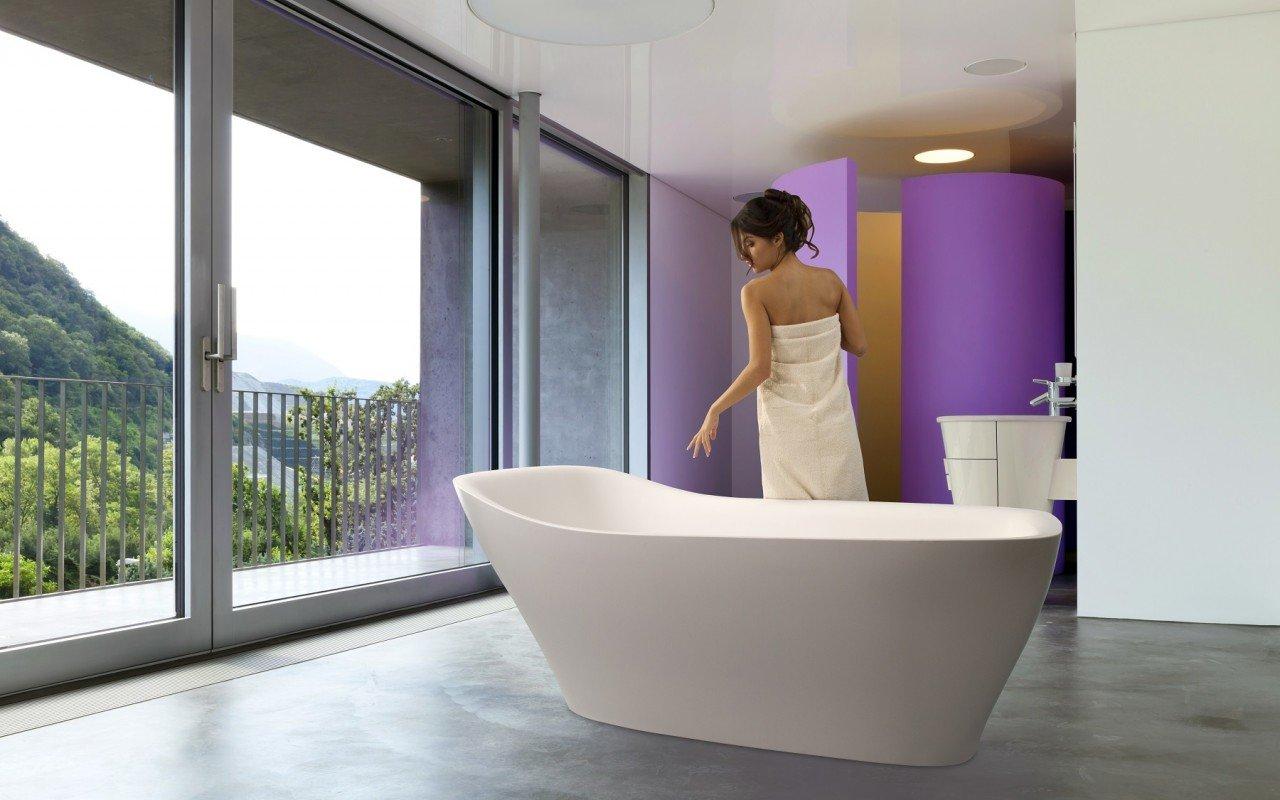 Emmanuelle Wht Freestanding AquaStone Bath web (1)