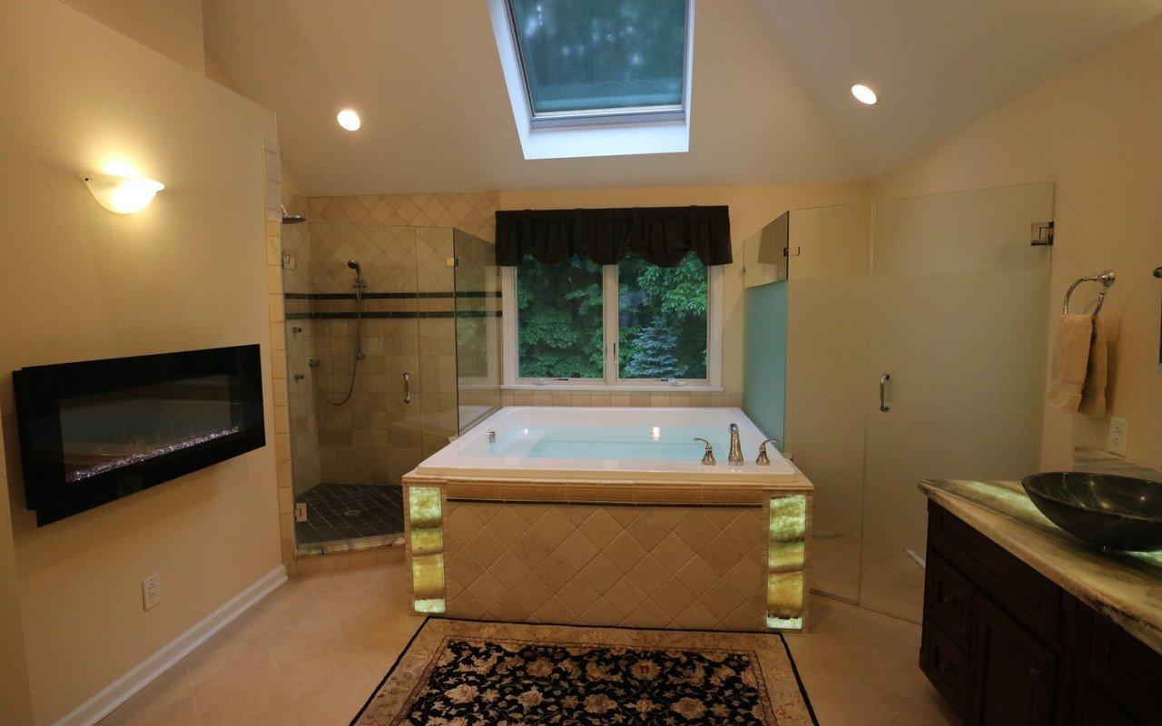 Lacus wht drop in acrylic bathtub by Aquatica 02 (web)