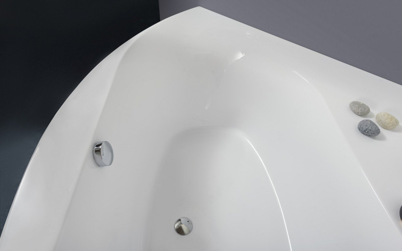 Olivia Wht Corner Acrylic Bathtub web (5)