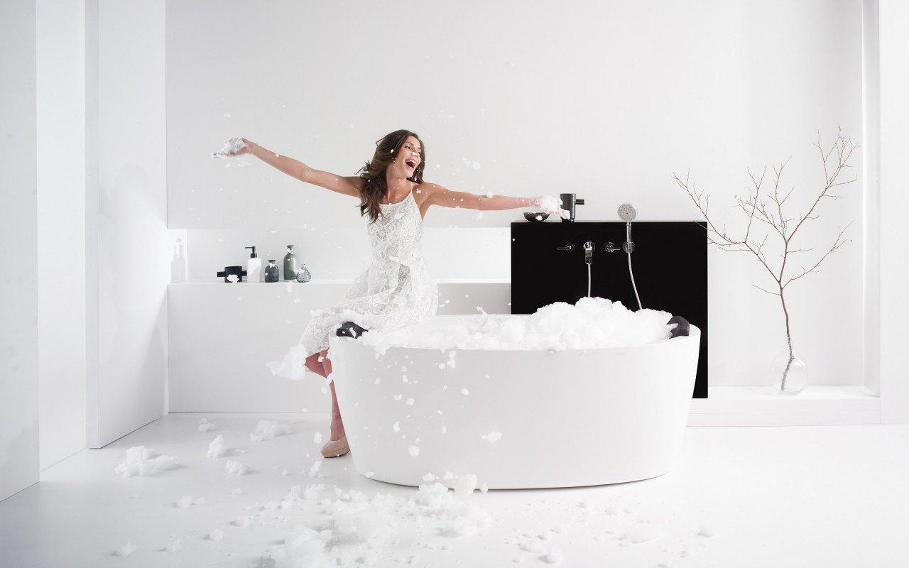 PureScape 174A Wht Freestanding Acrylic Bathtub web (1)