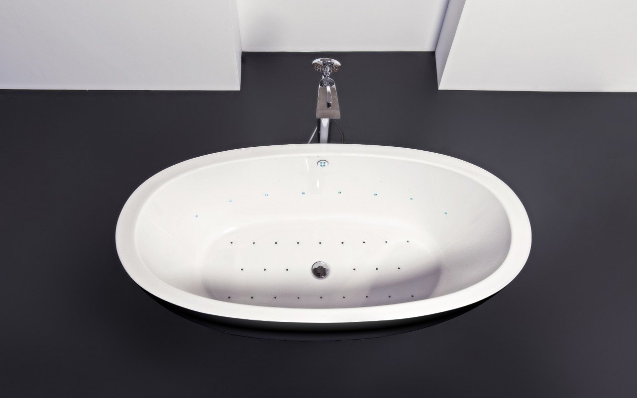 Purescape 174A Blck Wht Relax Air Massage Bathtub by Aquatica DSC2848 web