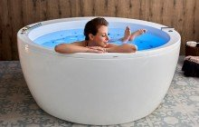 Aquatica pamela wht spa jetted bathtub web 01