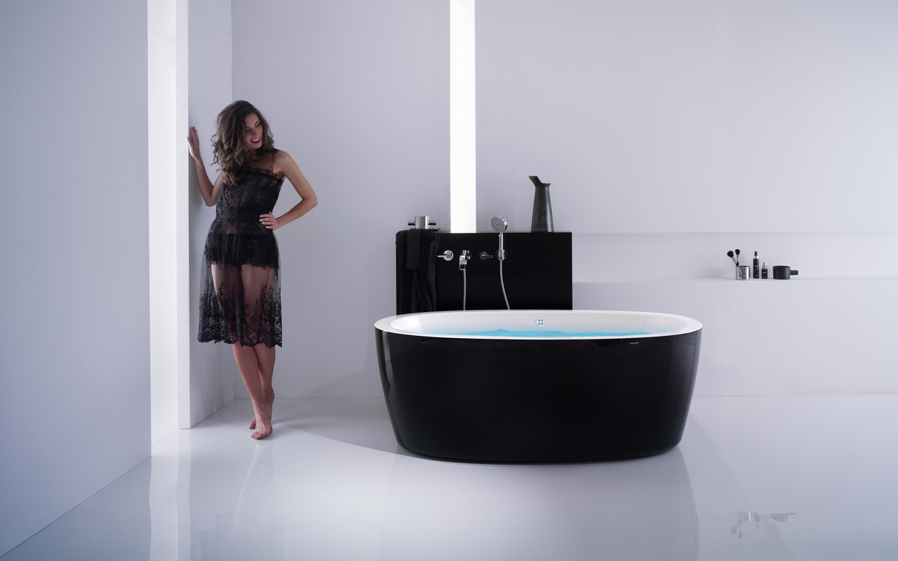 Finest Aquatica Purescape™ 174A-Blck-Wht Relax Air Massage Bathtub CQ45