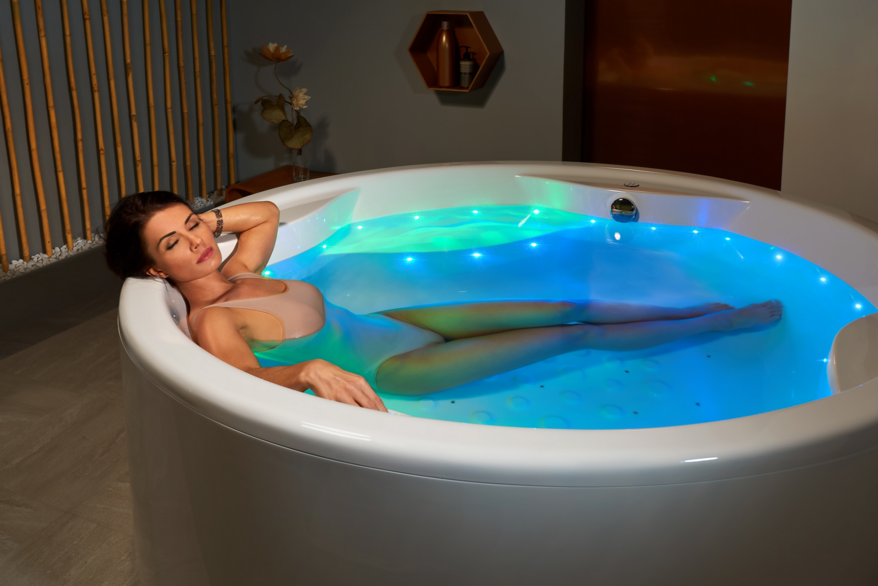 Aquatica Allegra-Wht Freestanding Relax Air Massage Bathtub