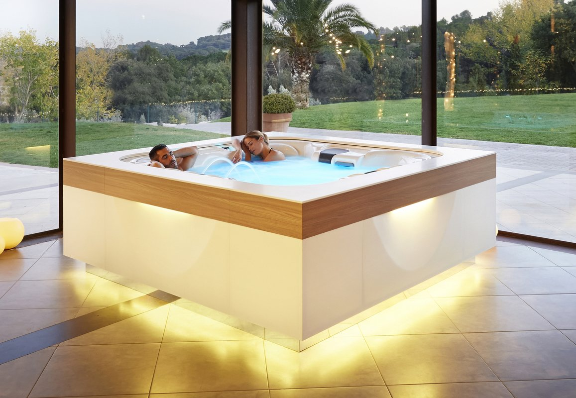 Aquatica Lagune Outdoor Hot Tub 01 (web)