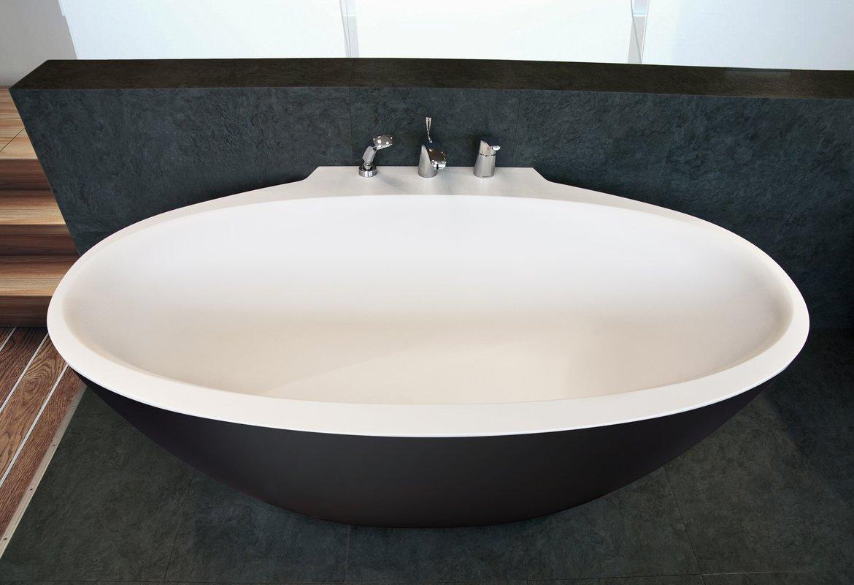 Aquatica Sensuality Mini Wall Blck Wht Back To Wall Solid Surface Bathtub 01 (web)