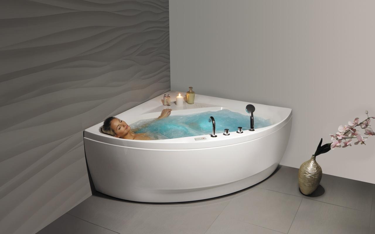 Aquatica olivia wht spa jetted corner bathtub web 01