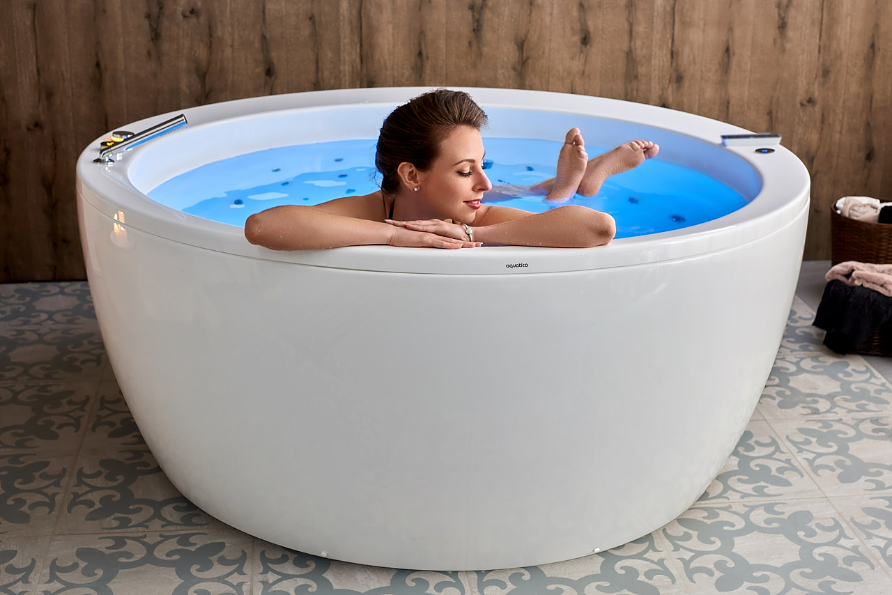 Aquatica Pamela-Wht HydroRelax Pro Jetted Bathtub (US version 110V/60Hz)