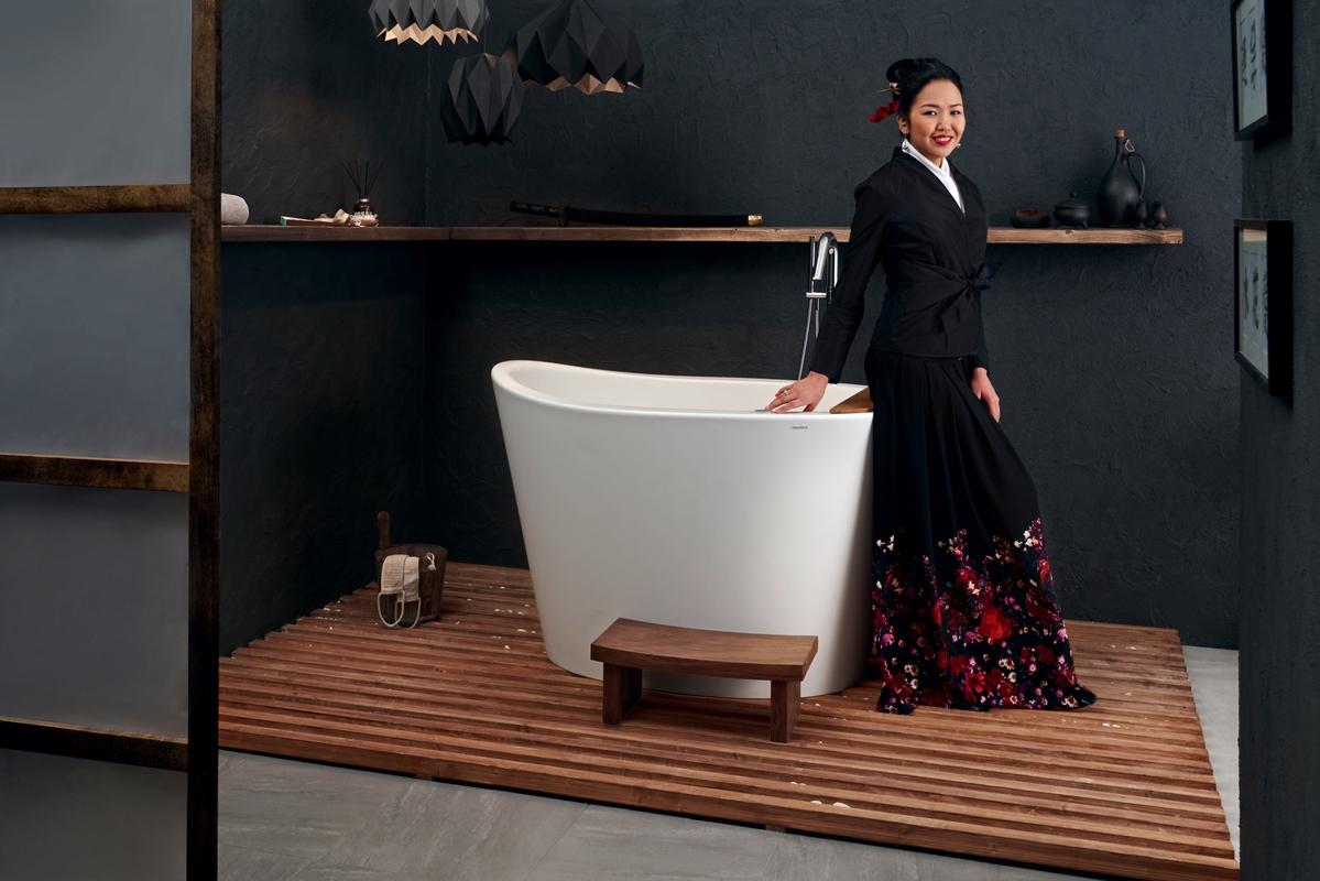 Aquatica true ofuro tranquility freestanding solid surface bathtub web 02