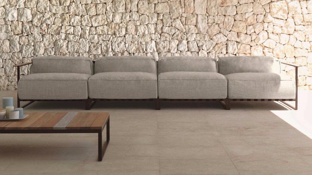 Casilda living corner garden sofa and table (4 1) (web)