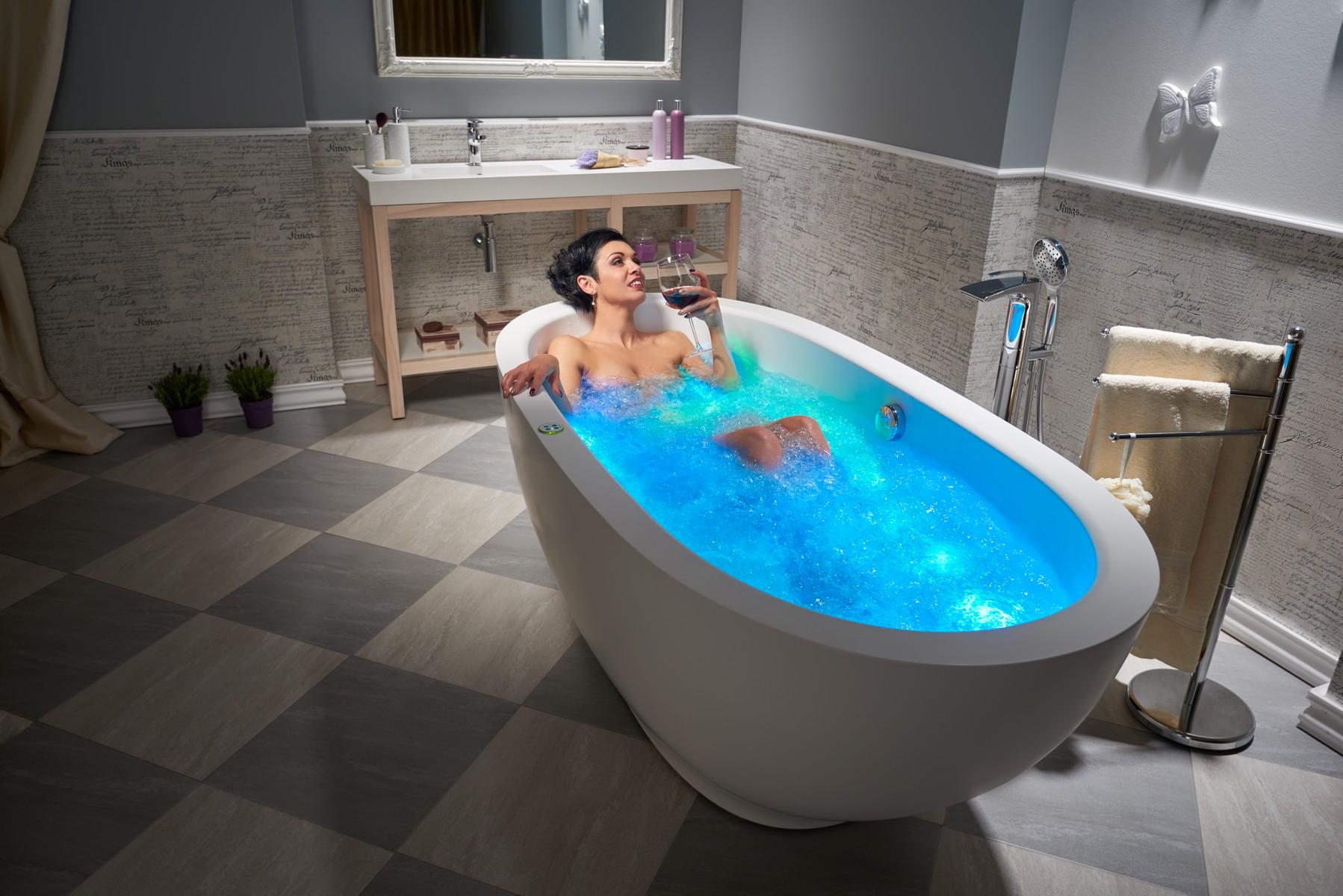 Aquatica Karolina Relax Solid Surface Air Massage Bathtub