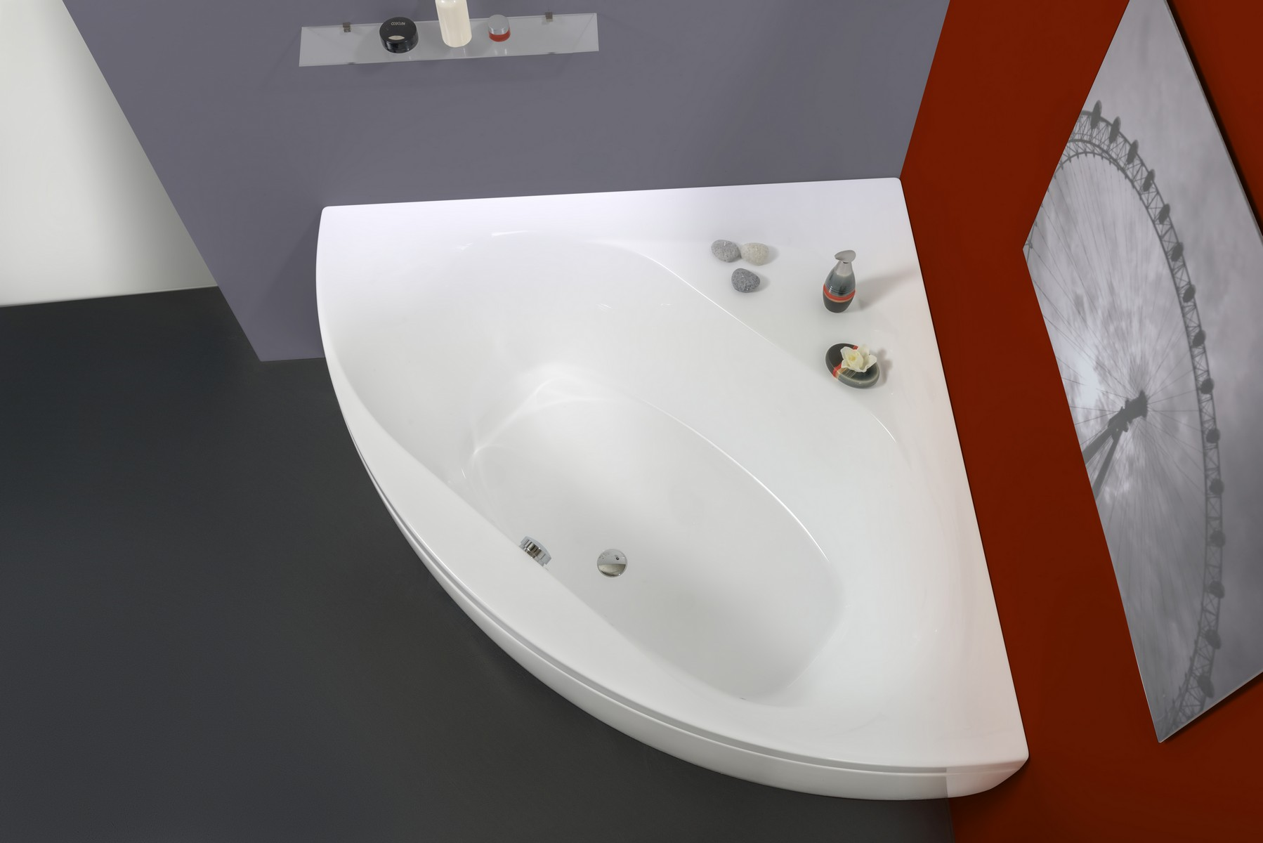Aquatica S Olivia Corner Tub Is A Timeless Model Which Has Been Designed To Suit Small Contemporary Bathrooms Crafted Using Premium Acrylic Sheets From