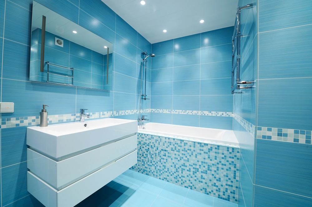 5 ways to bring color into your bathroom 14780822 web