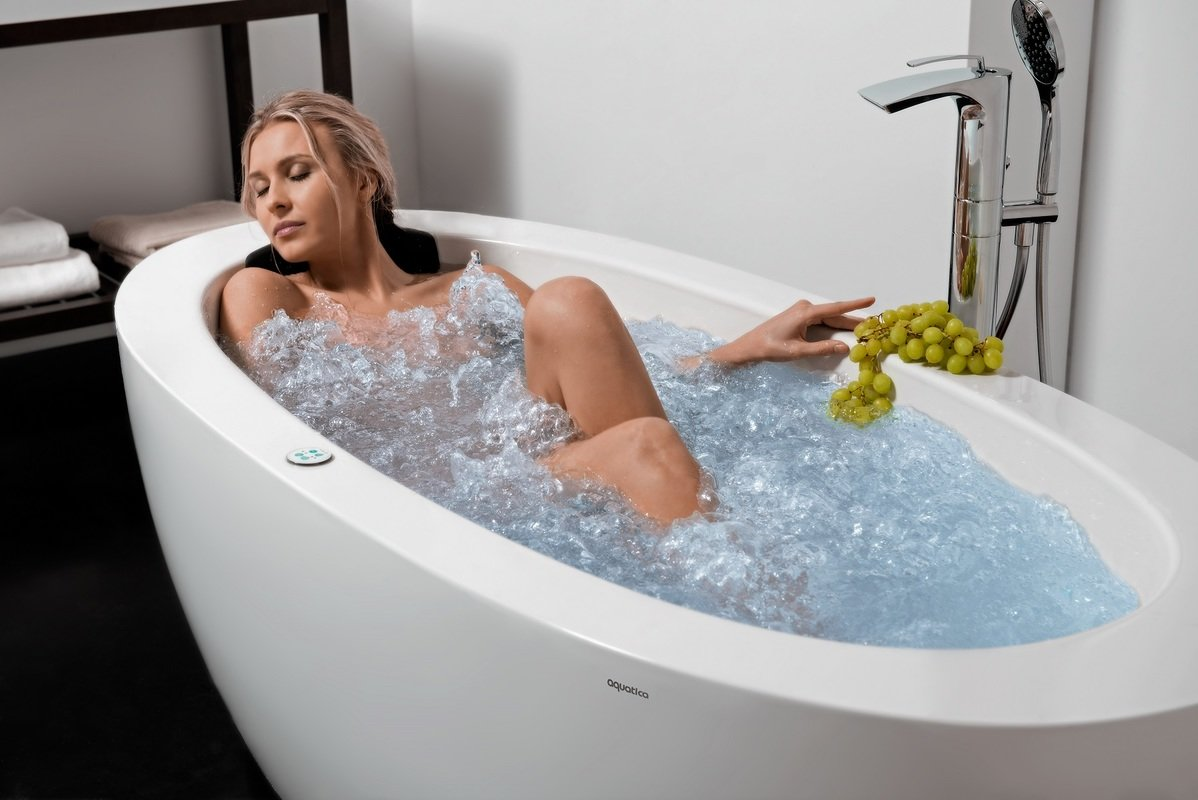 Aquatica Purescape 174B Wht Relax Air Massage Bathtub web (16)