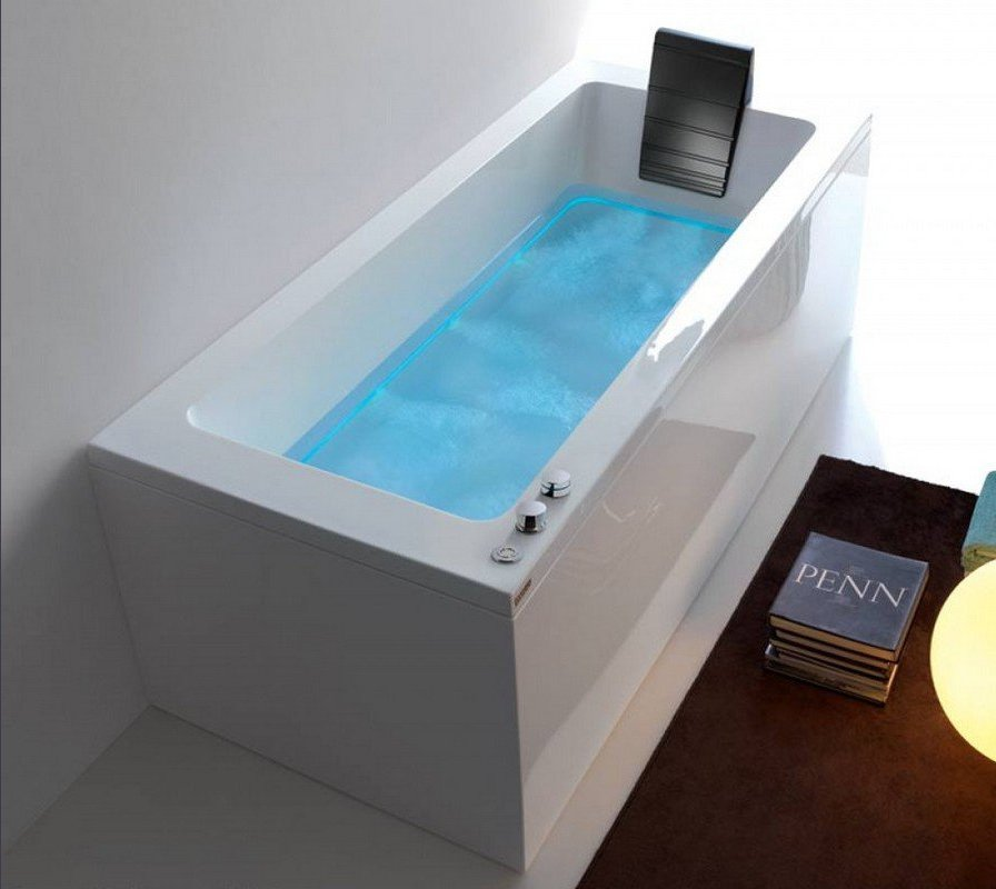 Dream Rechta A outdoor hydromassage bathtub