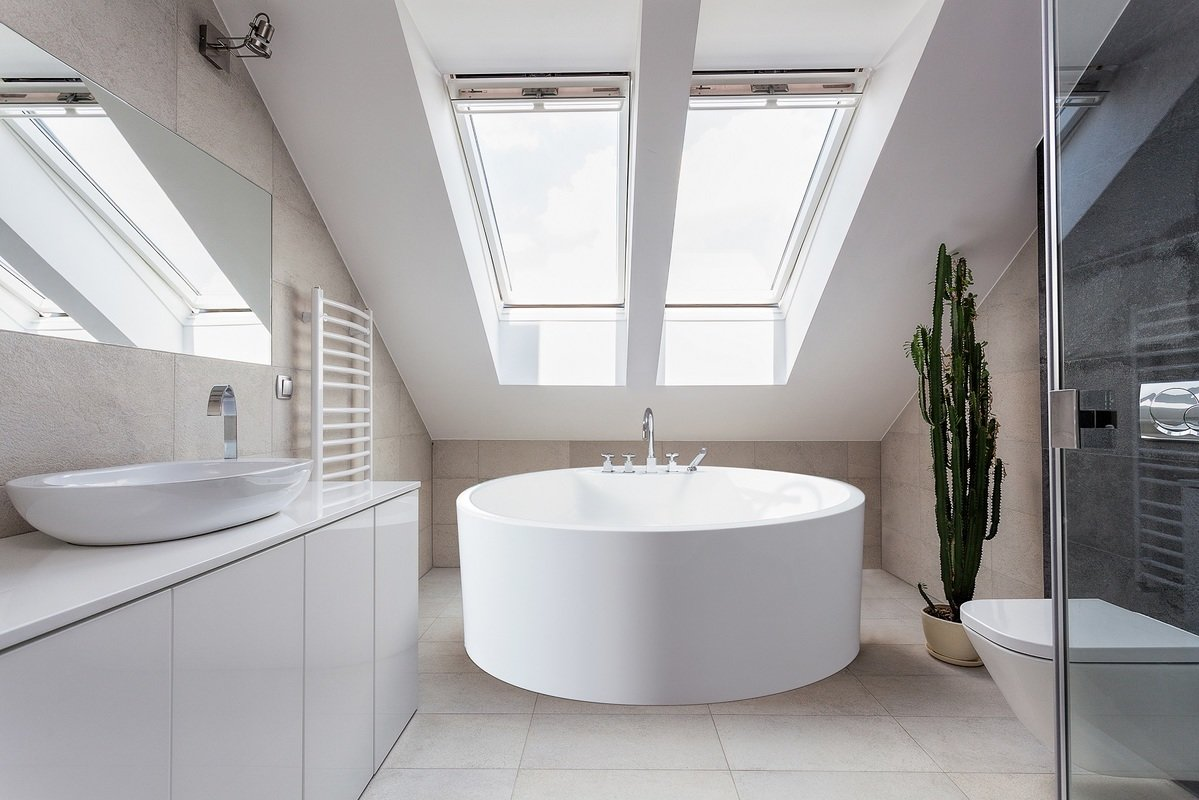 small freestanding Round Bathtub